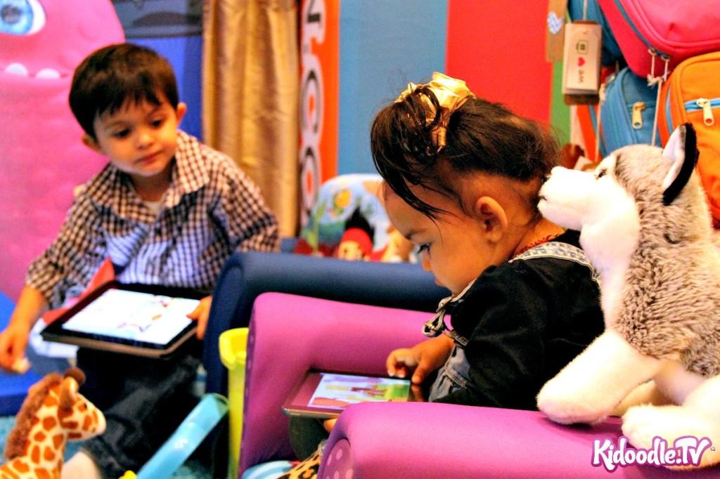 Kids Enjoying the Kidoodle.TV Booth