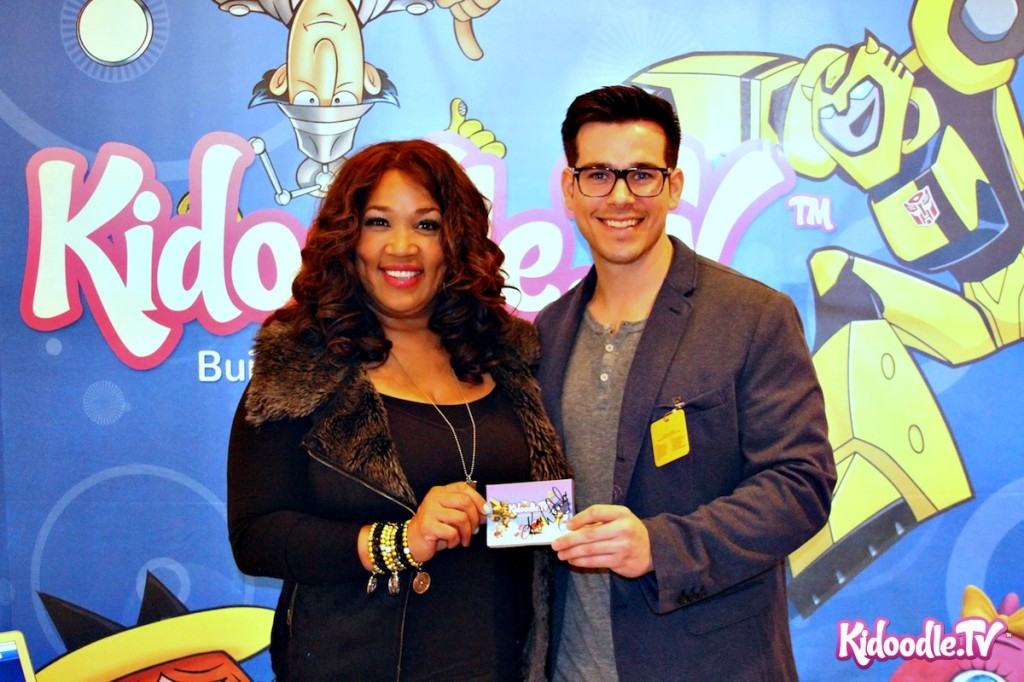 Kym Whitley Visits the Kidoodle.TV Booth