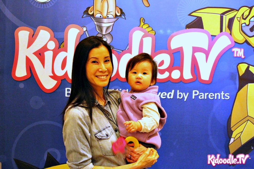 Lisa Ling and her cute little girl