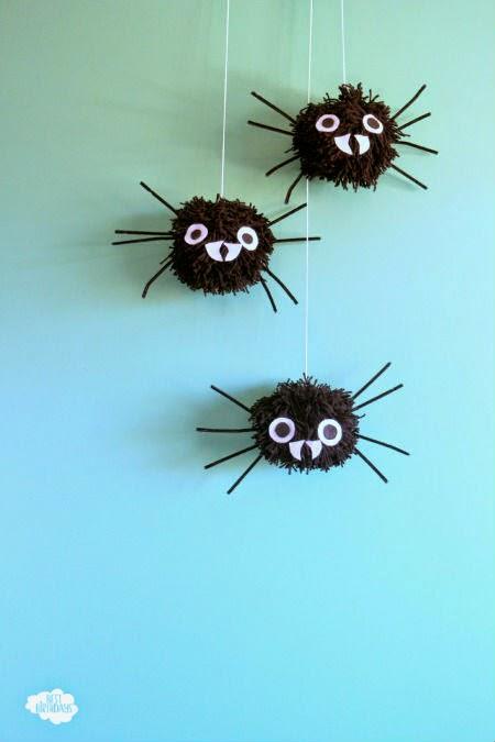 giant-pom-pom-spider-12