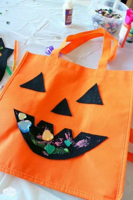 DIY Halloween Treat Bag from Best Birthdays