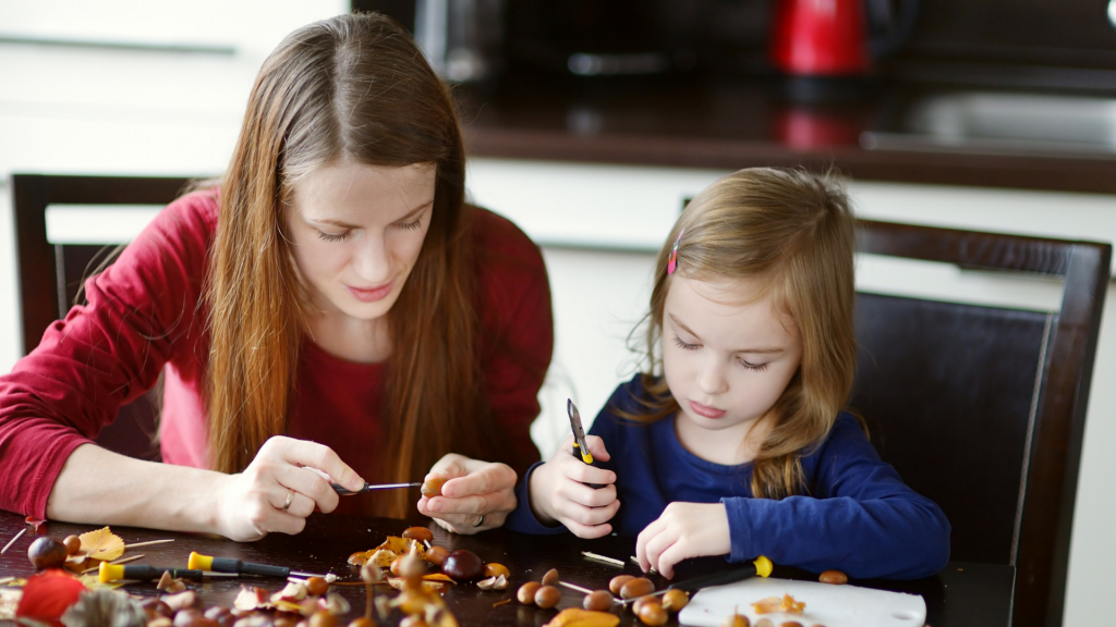 Making Christmas Crafts with Your Kids